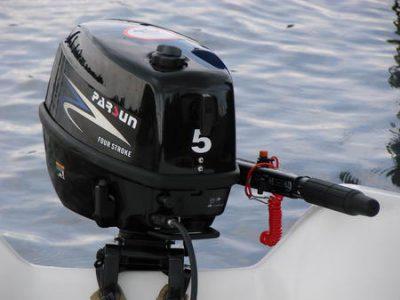Двигатель на лодке