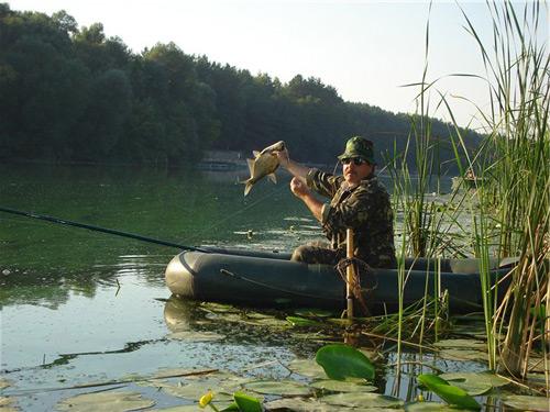 Рыбак в лодке