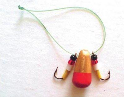 Зимняя приманка с крючками