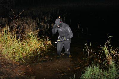 Подводный охотник ночью